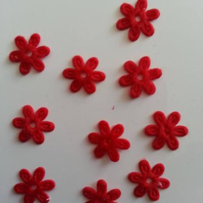 Lot de 10  fleurs  en feutrine 15 mm rouge